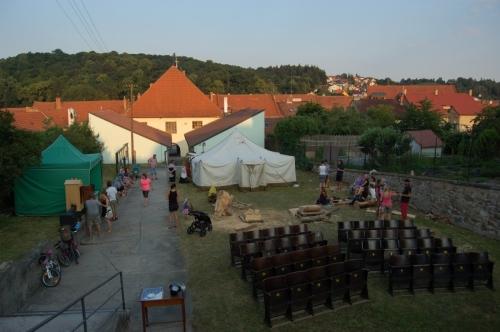 Sochařské sympozium 2015 a filmový festival KINO JEDE!